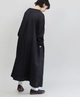 mumokuteki / リネン素材の前開きワンピース_9