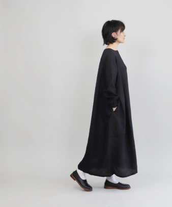 mumokuteki / リネン素材の前開きワンピース_11