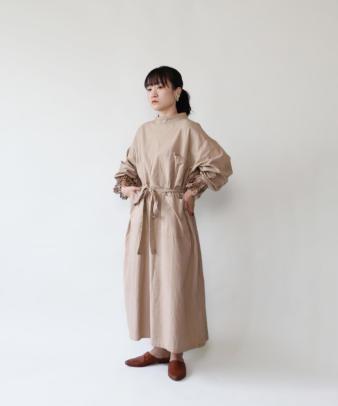 H.A.L.U 草木染め 胡桃 / ビンテージサージカルガウンリメイクワンピース